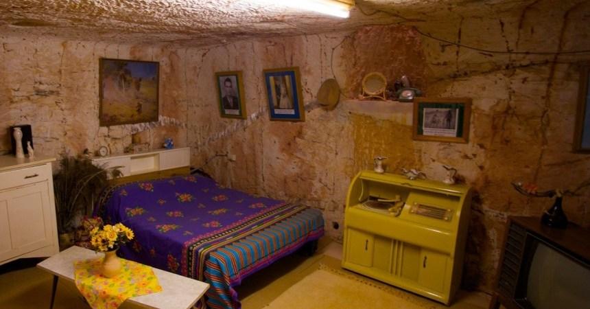 coober-pedy-bedroom