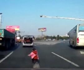 nino camioneta