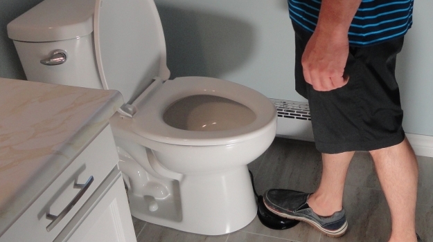 toilet-foot-1