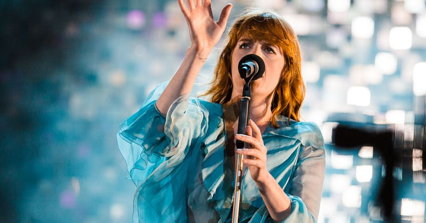 SAO PAULO, BRAZIL - MARCH 13: Florence Welch of Florence and the Machine performs live on stage at Autodromo de Interlagos on March 13, 2016 in Sao Paulo, Brazil. (Photo by Mauricio Santana/Getty Images)