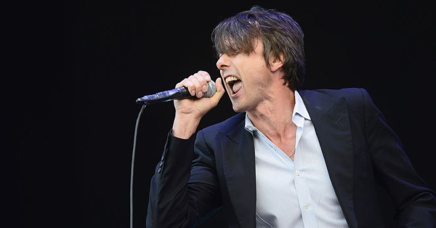 NEWPORT, ISLE OF WIGHT - JUNE 15:  Brett Anderson of Suede performs at The Isle of Wight Festival at Seaclose Park on June 15, 2014 in Newport, Isle of Wight.  (Photo by Zak Hussein/Getty Images)