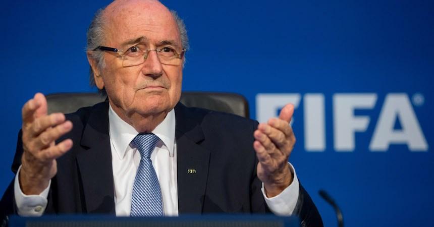Joseph Blatter es acusado de manera formal por la FIFA