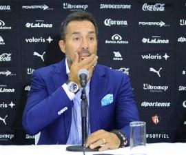 Gustavo Matosas en conferencia de prensa