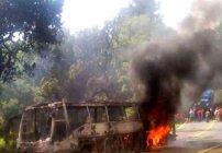 normalistas-camion-incendiado-michoacan-enfrentamiento