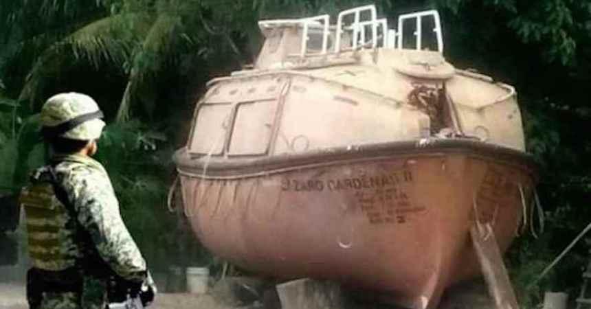 La Marina reporta el hallazgo de un submarino que presuntamente usaba La Familia Michoacana para trasportar droga