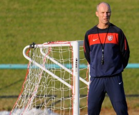 Bob Bradley es el nuevo entrenador del Swansea