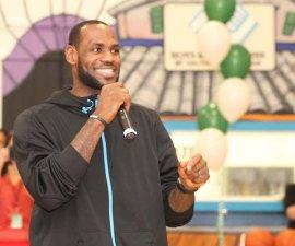 LeBron James ha ayudado a muchos niños con su fundación