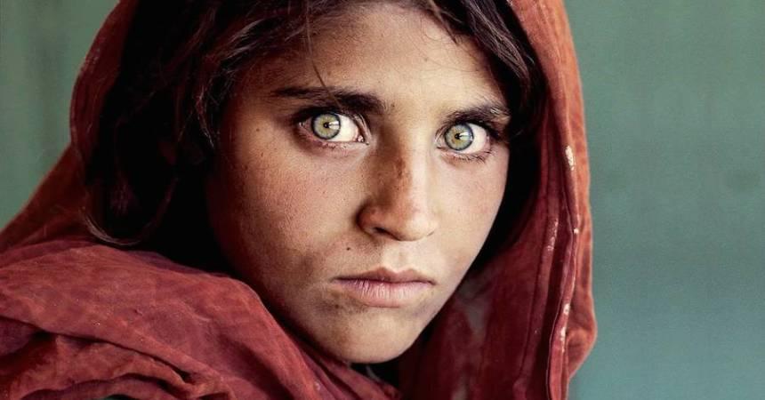Sharbat Gual quien conquistara la portada de National Geographic en 1985 fue detenida
