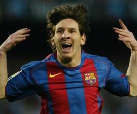 Primer gol de Lionel Messi con el Barcelona