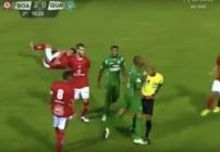 jugador-brasil-agrede-arbitro