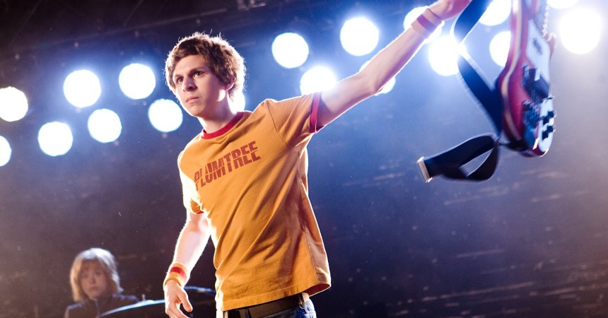 Kim Pine (ALISON PILL) watches her band mate Scott Pilgrim (MICHAEL CERA) prepare to fight in the amazing story of one romantic slacker?s quest to power up with love: the action-comedy ?Scott Pilgrim vs. the World?.