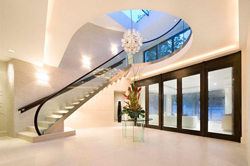 casa-ozil-stairs