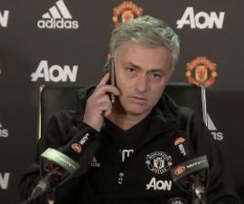 mourinho contesta telefono periodista