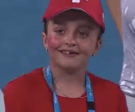 Niña llora al conocer a Roger Federer