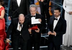 ¿Qué diablos pasó? La historia Detrás de los sobres en la entrega del Oscar