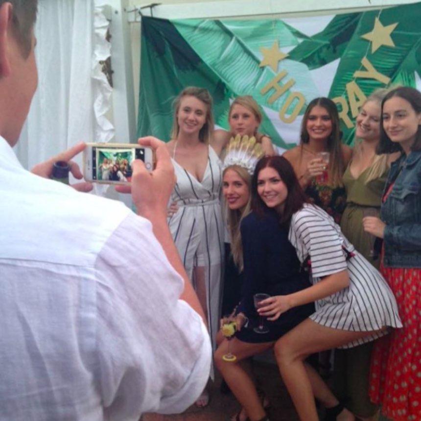 Novios de Instagram - Foto grupal