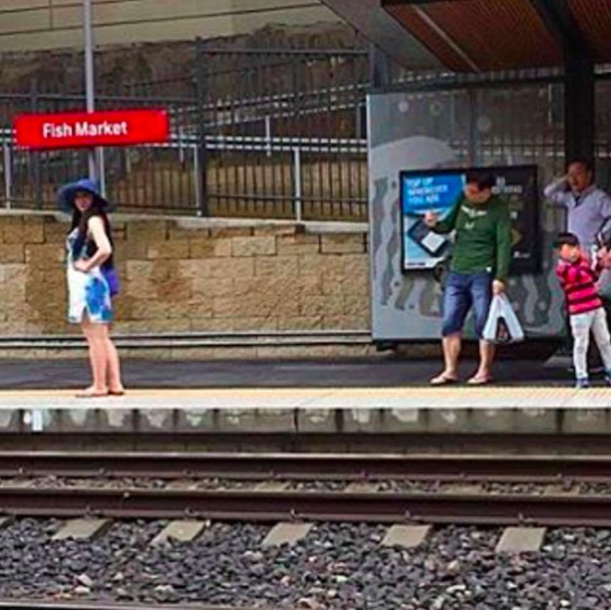 Novios de Instagram - Foto en el tren