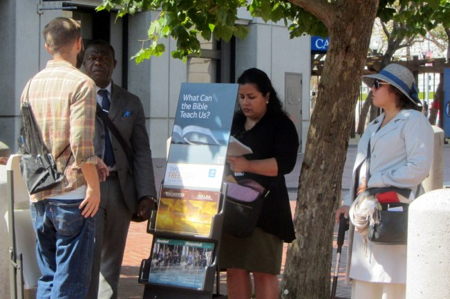 Cal witnesses to Jehovah's Witnesses at UN Plaza.