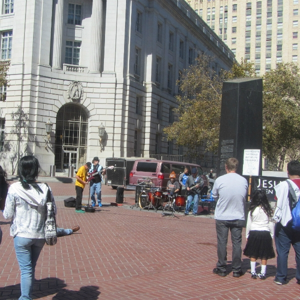 """THE BAND """"BOOK"""" PLAYS AT UN PLAZA."""