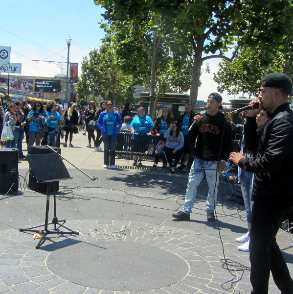 """""""PRISONERS OF HOPE"""" MINISTERS AT FISHERMAN'S WHARF."""