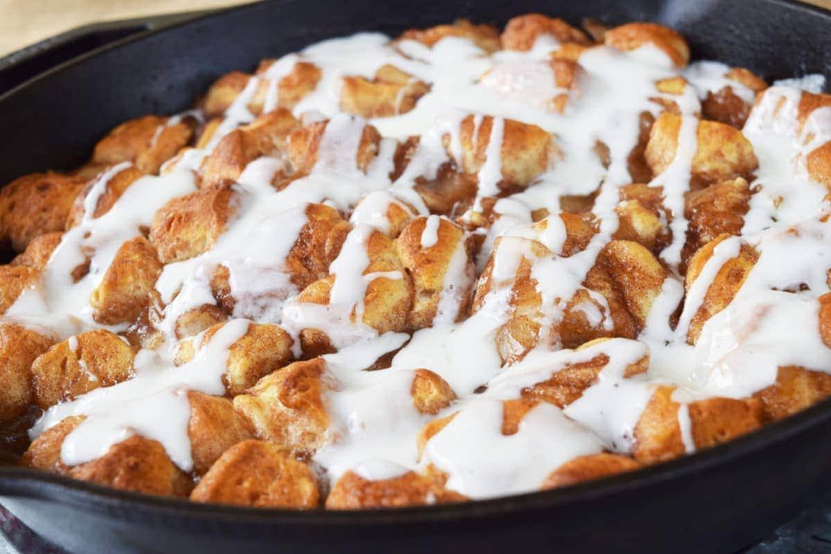 Decent Imagine A Warm Apple Pie Meeting Sourn Biscuit Y Had Most Meet Skillet Apple Pie Biscuit Skillet Apple Pie Biscuit Bites Ly Made nice food Pillsbury Biscuit Recipes