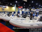 miamiinternationalboatshowsaturdsay021310-027