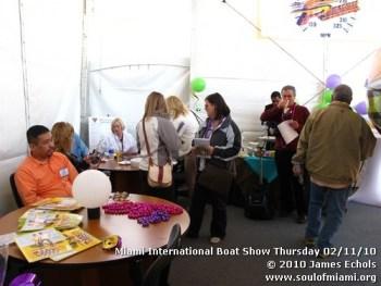 miamiinternationalboatshowthursdsay021110-010