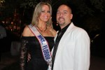 Mrs. Florida Teresa Sheffield y su esposo Chris