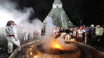 201123-guatemala-maya-calendar-tikal-celebration