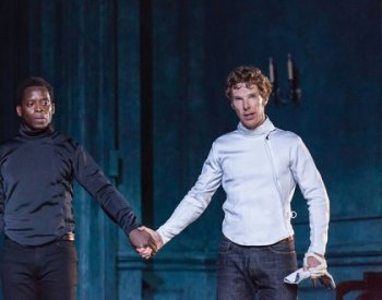 5._Laertes_Kobna_Holdbrook-Smith_and_Hamlet_Benedict_Cumberbatch_UfHzFki.jpg.420x330_q85_crop-smart
