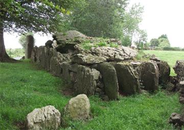 """Leabhadh Chailligh, the """"Crone's Bed,"""" Cork"""