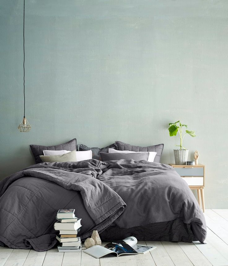 Schlafzimmer_grau_schlicht