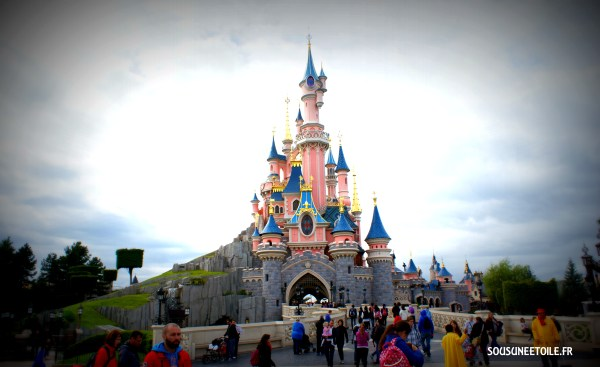 chateau disneyland paris