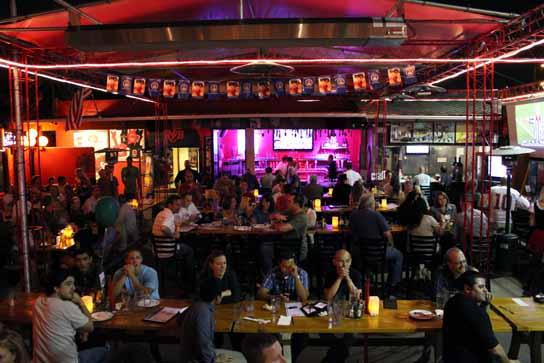 The beer garden inside Rock & Brews El Segundo.