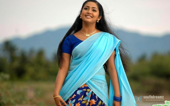 mallu masala actress navya nair hot and sexy unseen photos 2 586x368 Navya Nair hot photo gallery