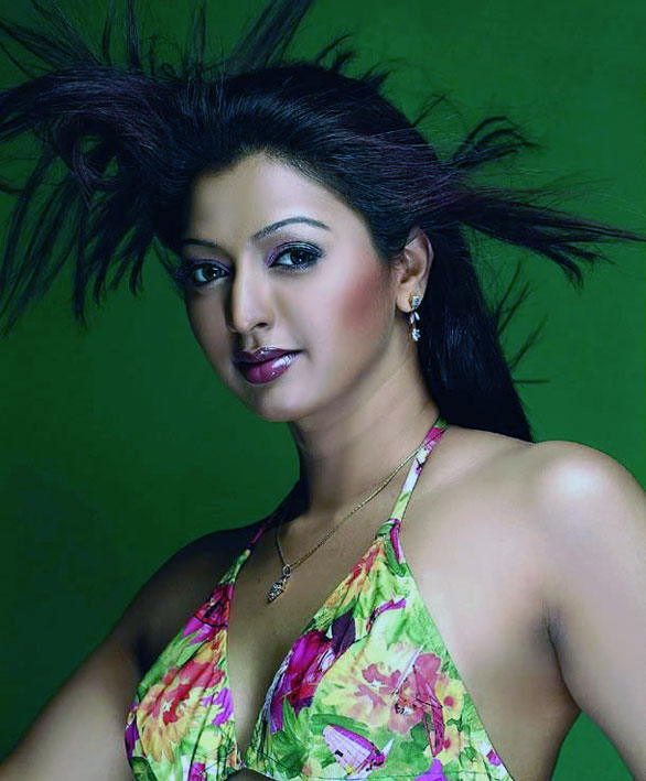 gayatri jayaram hot pics 02 Gayathri Jayaram hot Wallpapers