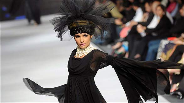 01 PFDC Fashion Week in Lahore   Photo Gallery