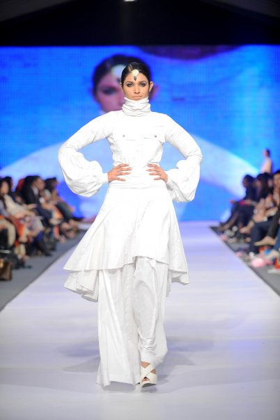 Lahore Fashion week 27 PFDC Fashion Week in Lahore   Photo Gallery