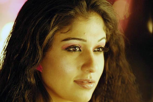 hot mallu actress nayanthara unseen hot photo album 3 Nayantara Unseen photo gallery
