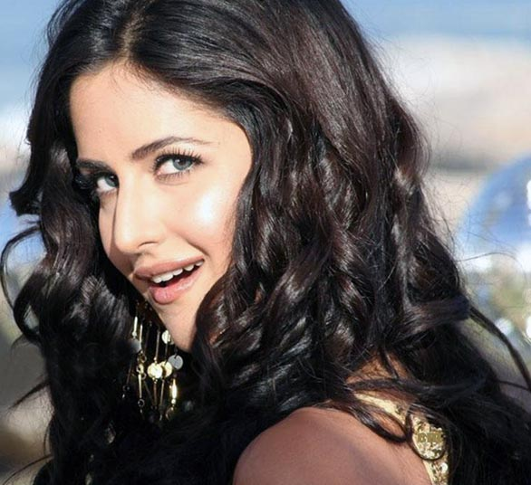 katrina kaif smile Top 12 Bollywood Actress