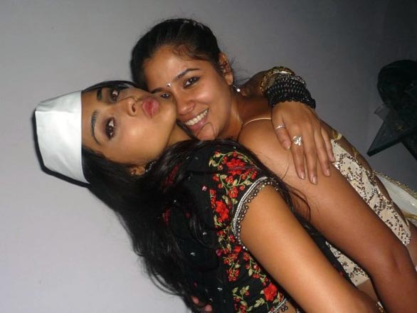 shriya and reema sen private party gallery 5 Shreya Saran, Reemma Sen in photo scandal