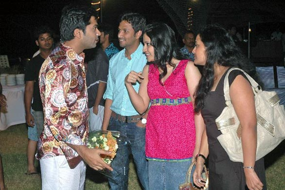 simbhu birthday bash stills 41 Ajith, Shalini & Trisha at Simbu's Birthday Bash