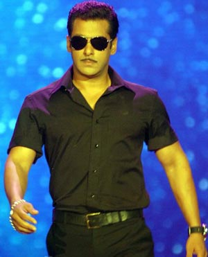 Salman Khan IIFA 2010 Fashion Extravaganza Ban me, says Salman Khan   Challenge to SIFCC IIFA Issue