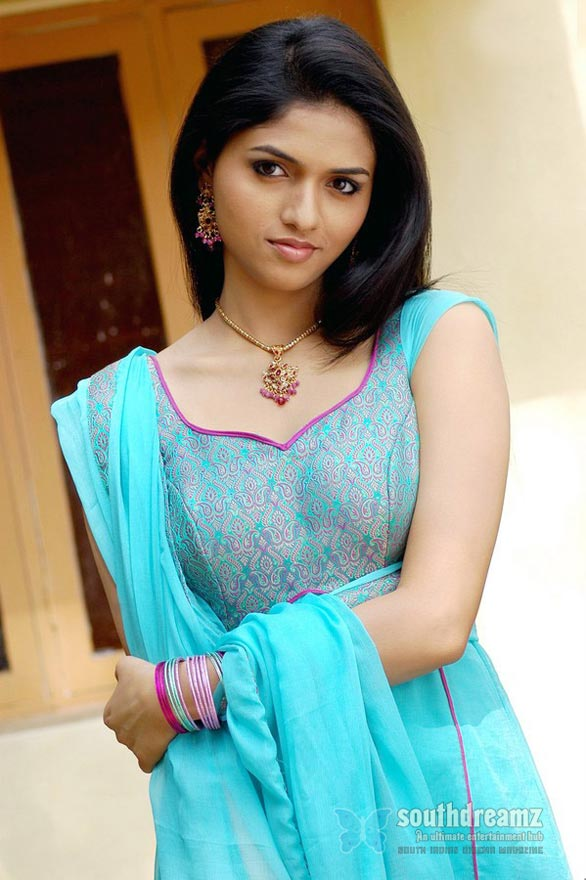 sunaina actress stills 03 Sunaina gallery