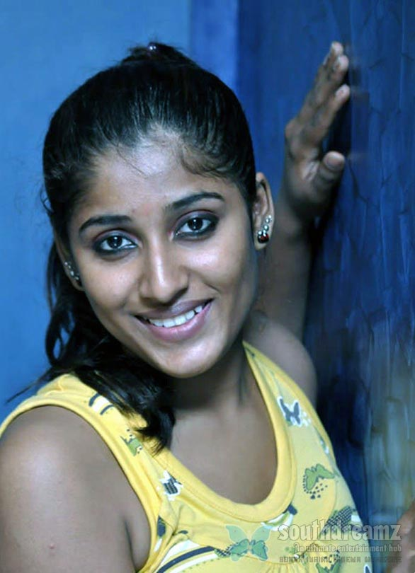 hot mallu actress stills 42 Spicy mallu actress gallery