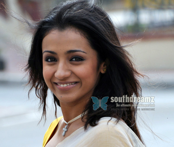Trisha cute stills 2 Trisha demands more for bikini