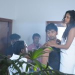 Muppozhudhum-Un-Karpanai-On-The-Spot-Stills-10