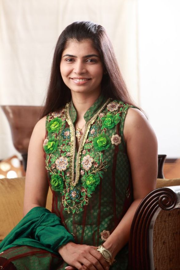 playback singer sinmayi 586x879 Playback singer Chinmayi celebrates her Birthday