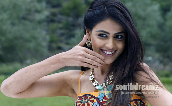 Velayutham hot genelia stills 2 Velayudham is no super hero movie