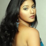 Anjali pairs up opposite Vikram in Karikalan